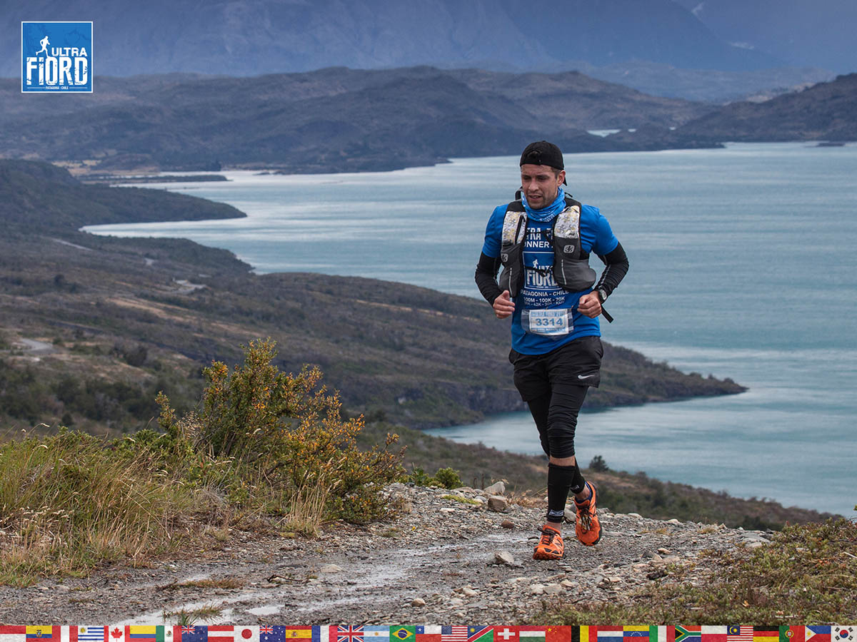 utf1904clsi0010FB; Ultra Trail Running in Patagonia, Chile; Ultra Fiord Fifth Edition 2019; Torres del Paine; Última Esperanza; Puerto Natales; Patagonia Running Ultra Trail; Claudio Silva