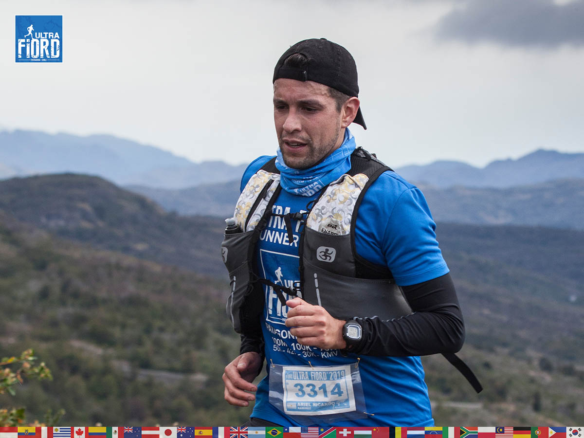 utf1904clsi0011FB; Ultra Trail Running in Patagonia, Chile; Ultra Fiord Fifth Edition 2019; Torres del Paine; Última Esperanza; Puerto Natales; Patagonia Running Ultra Trail; Claudio Silva