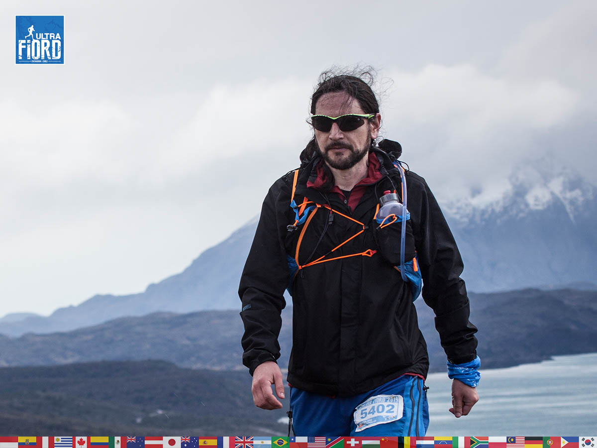 utf1904clsi0200FB Ultra Trail Running in Patagonia, Chile; Ultra Fiord Fifth Edition 2019; Torres del Paine; Última Esperanza; Puerto Natales; Patagonia Running Ultra Trail; Claudio Silva