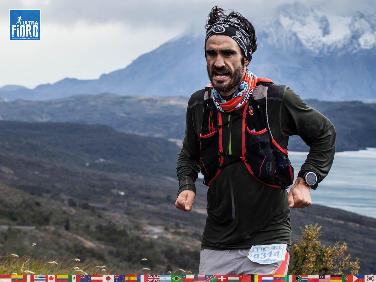utf1904clsi9983FB; Ultra Trail Running in Patagonia, Chile; Ultra Fiord Fifth Edition 2019; Torres del Paine; Última Esperanza; Puerto Natales; Patagonia Running Ultra Trail; Claudio Silva