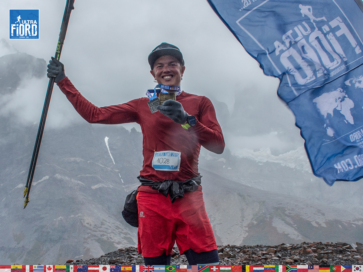 utf1904lues04FButf1904lues02FB; Ultra Trail Running in Patagonia, Chile; Ultra Fiord Fifth Edition 2019; Torres del Paine; Última Esperanza; Puerto Natales; Patagonia Running Ultra Trail; Luis Espinoza